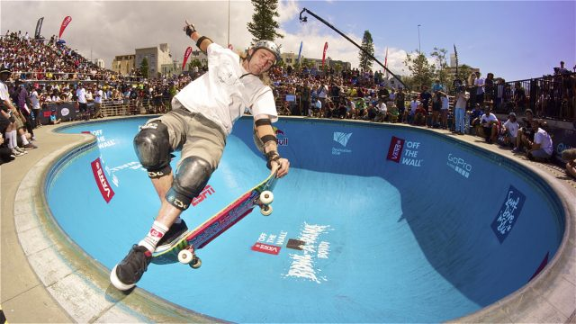 Skateboarding Meets Four-Cross Racing – Red Bull Feel the Wheel
